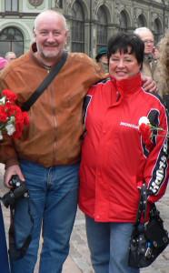 Aivars Brīze un Elita Veidemane 2007. gada 16. martā Doma laukumā.